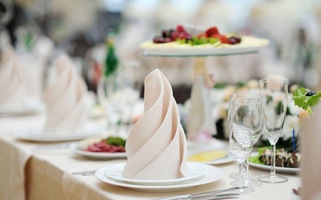 3 Tips to Plan a Beach Wedding Menu that Everyone Will Love